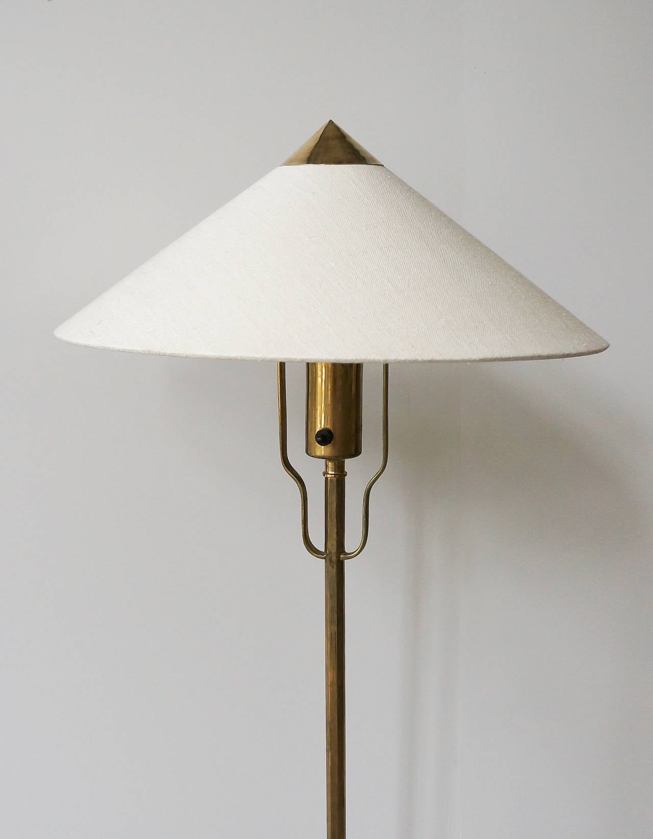 Finnish Paavo Tynell Floor Lamp, Model 5762 Manufactured by Taito Oy, Finland For Sale
