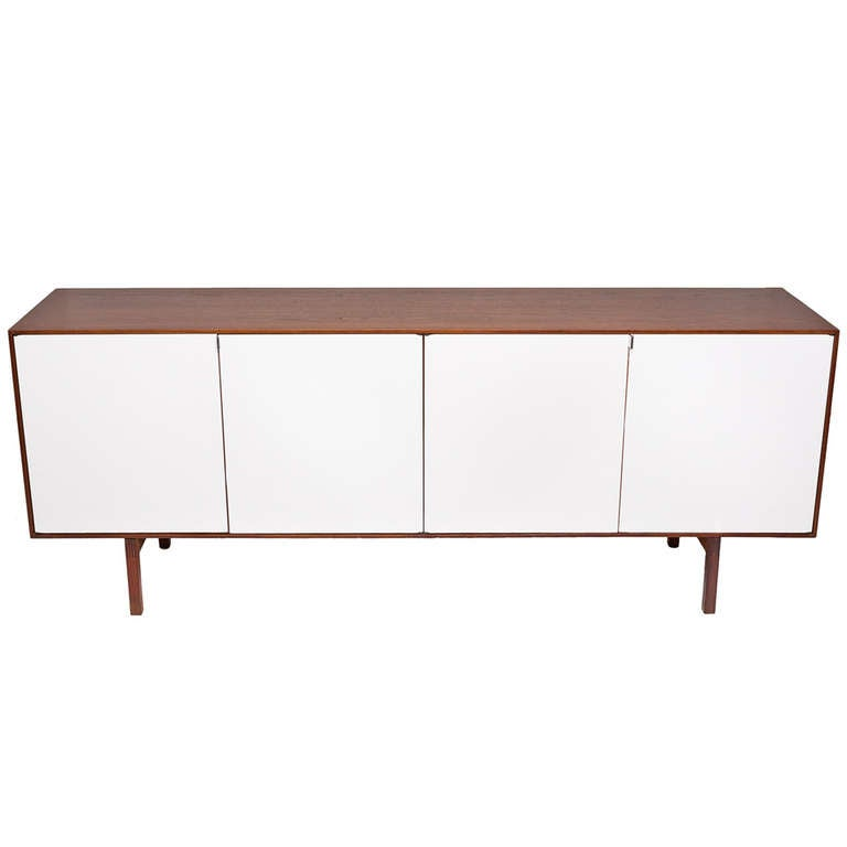 Florence Knoll Walnut Credenza or Cabinet for Knoll, 1950s