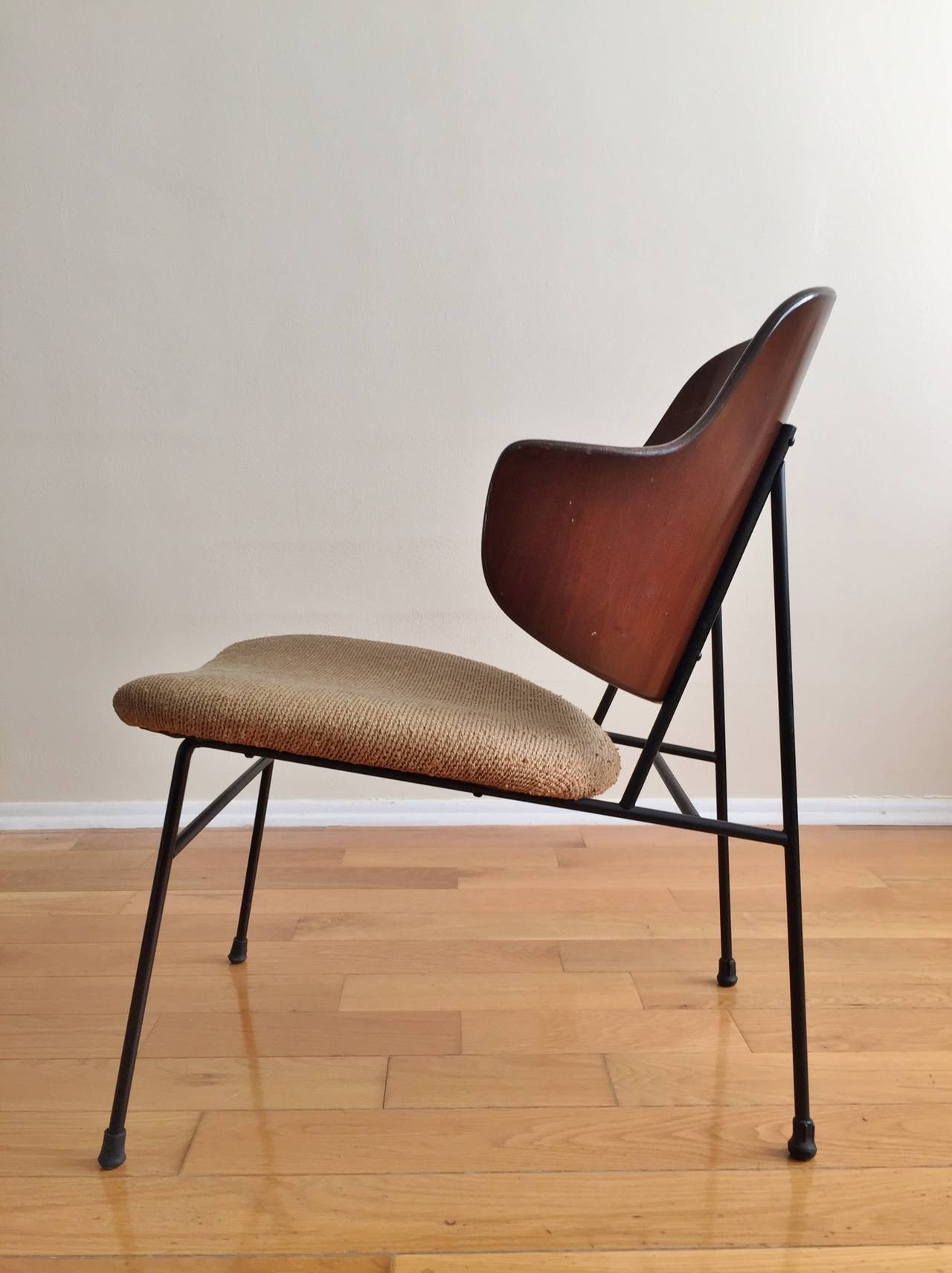 This sculptural pair of lounge chairs by ib kofod larsen is no longer - Ib Kofod Larsen Penguin Lounge Chair For Christensen And Larsen 2