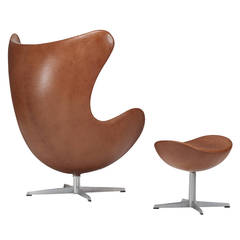 Arne Jacobsen Egg Chair and Ottoman for Fritz Hansen