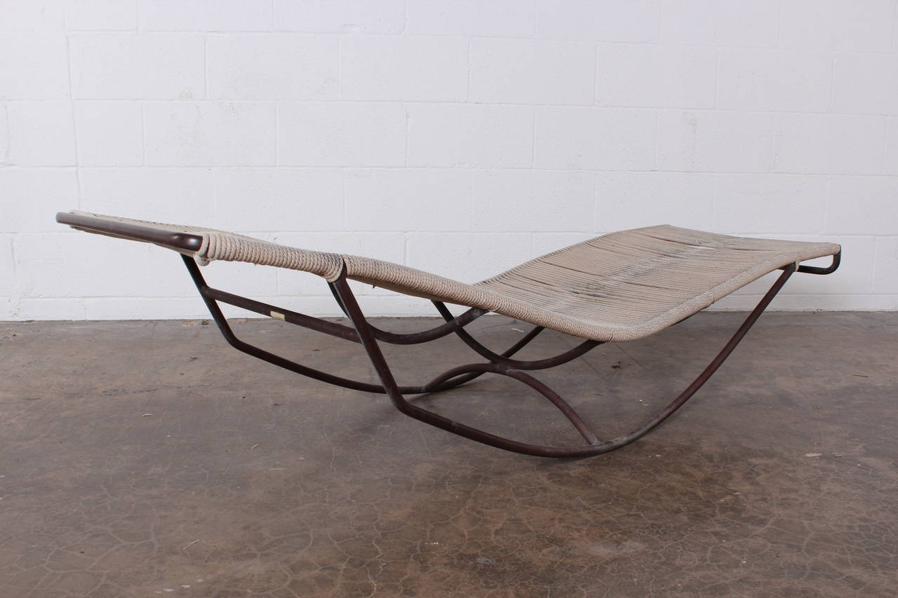 Bronze rocking waikiki chaise longue by walter lamb at for Chaise longue pour bronzer