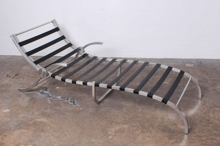 Aluminum chaise lounge at 1stdibs for Chaise lounge aluminum