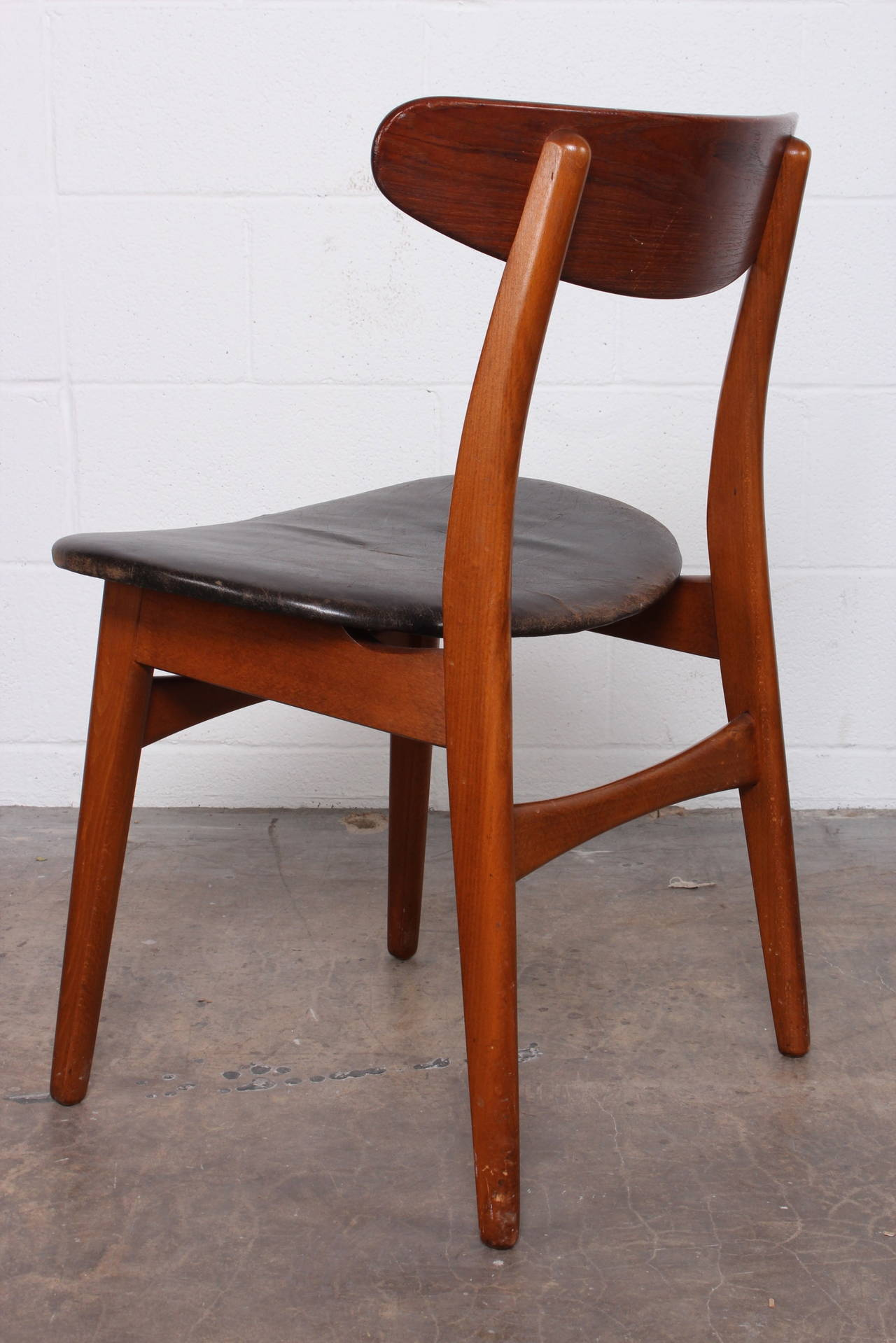 Set of eight teak dining chairs by hans wegner at 1stdibs for Wegner dining chair