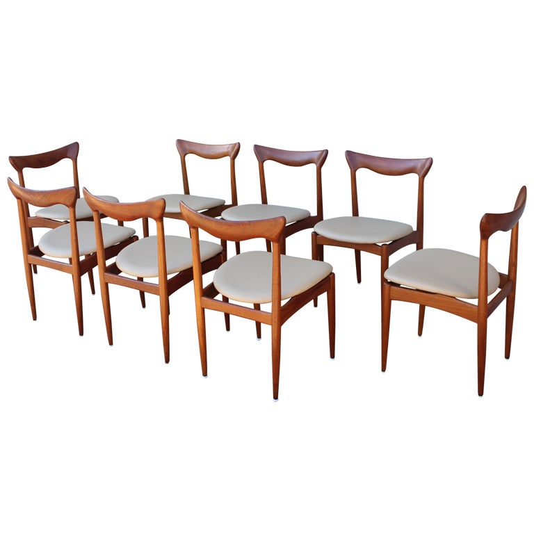 Set of eight teak dining chairs at 1stdibs for Dining room sets 8 seats