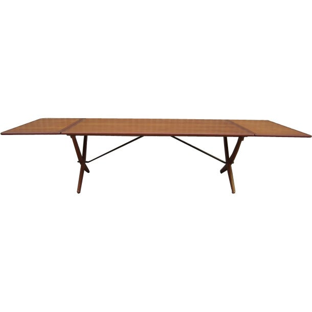 Large drop leaf dining table by hans wegner at 1stdibs for Large drop leaf dining room tables