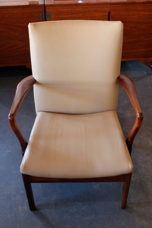 Dating parker knoll chairs