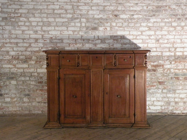 18th Century and Earlier Italian / Tuscan 17th century walnut credenza Baroque Credenza For Sale