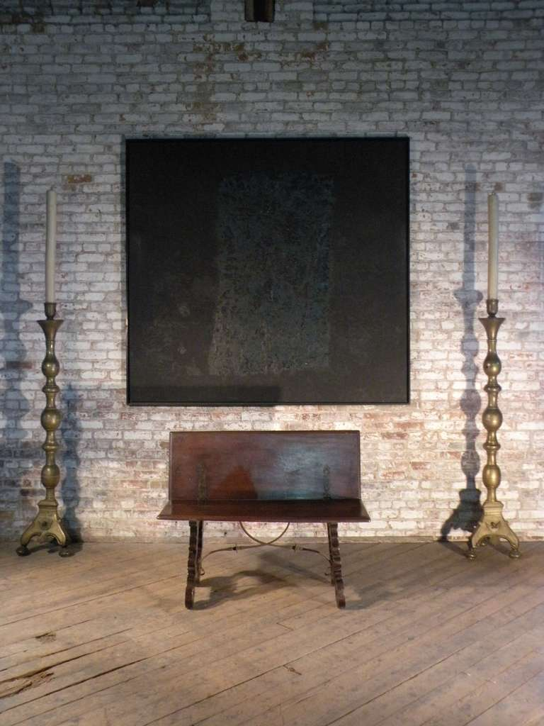 Spanish Baroque 17th century walnut Flip-Bench or Low Table For Sale 2