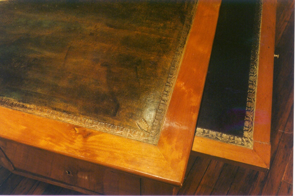 Early 19th century French Mahogany Empire Desk For Sale 2