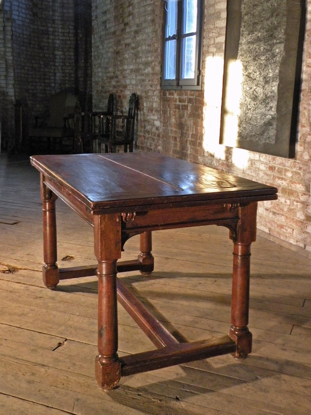 french 16th century henry ii walnut extending table for sale at 1stdibs. Black Bedroom Furniture Sets. Home Design Ideas