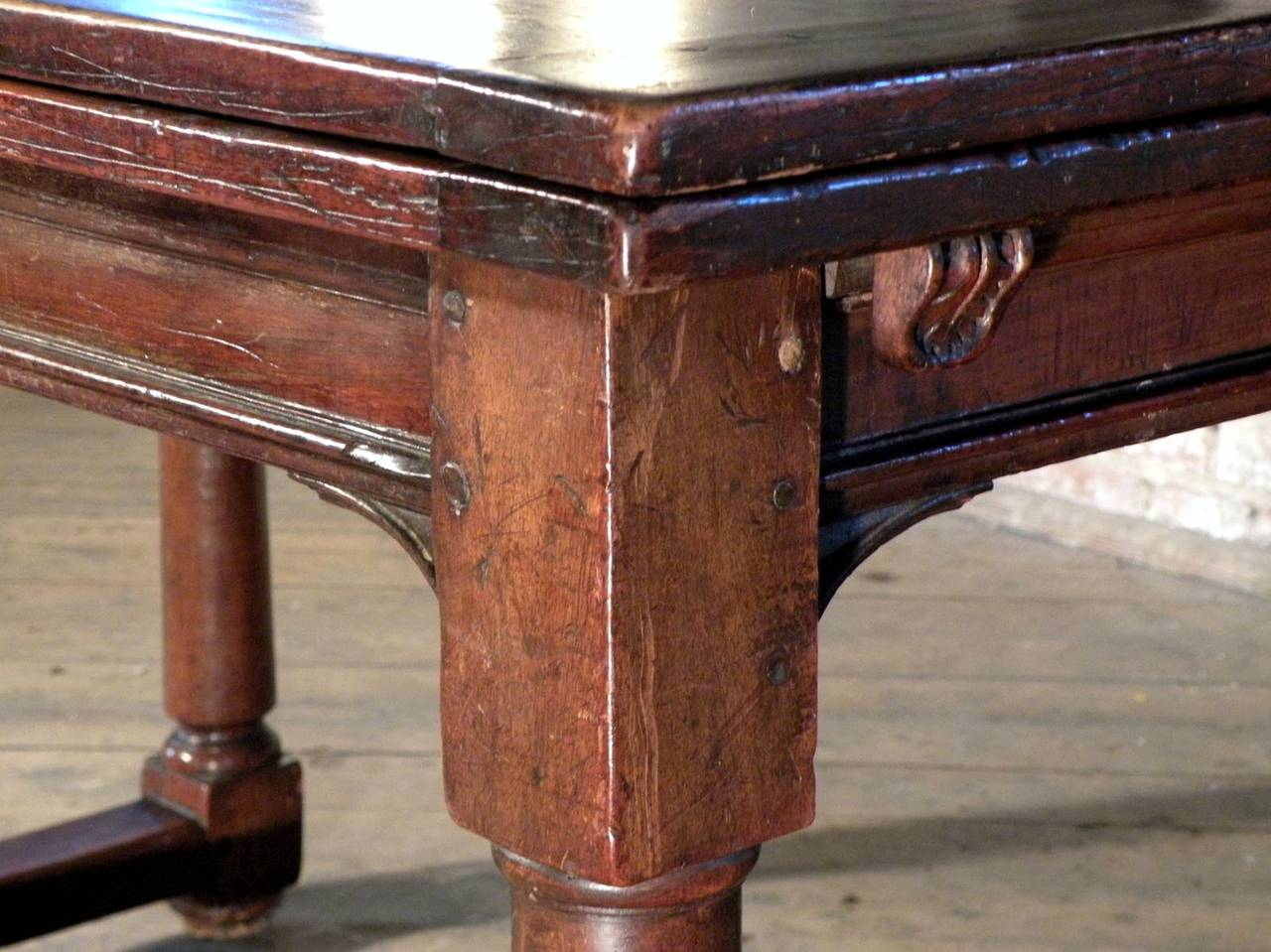 French 16th Century Henry II Walnut Extending Table For Sale 4