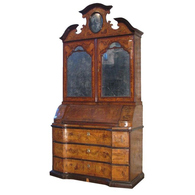 Italian early 18th century Baroque Walnut Secretary-Bookcase