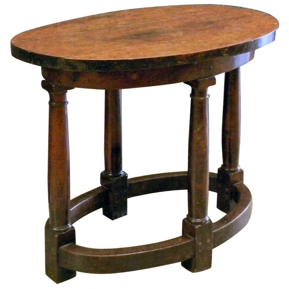 Early 17th Century Italian oval Walnut Center Table