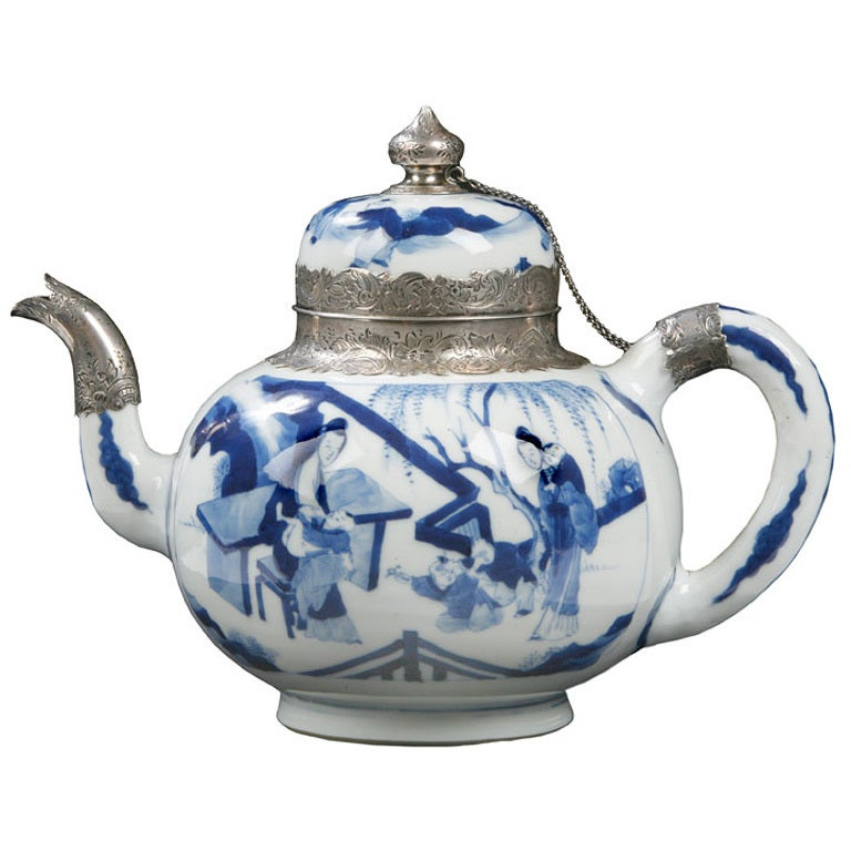 Chinese Blue And White Export Teapot At 1stdibs