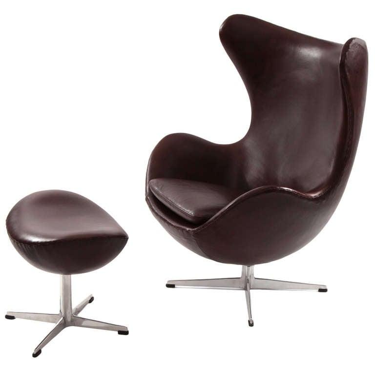 early arne jacobsen fritz hansen leather egg chair at 1stdibs. Black Bedroom Furniture Sets. Home Design Ideas