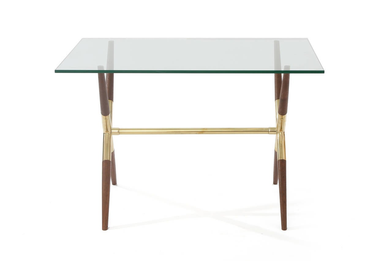 Mid-Century Modern Tapered Walnut and Polished Brass Italian Occasional Table For Sale
