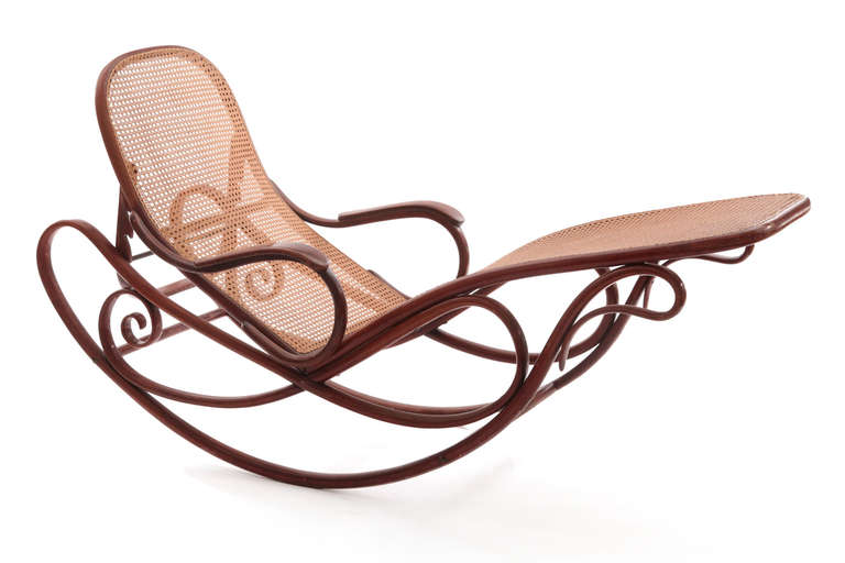 Stunning bentwood chaise by thonet image 2 for Chaise bentwood