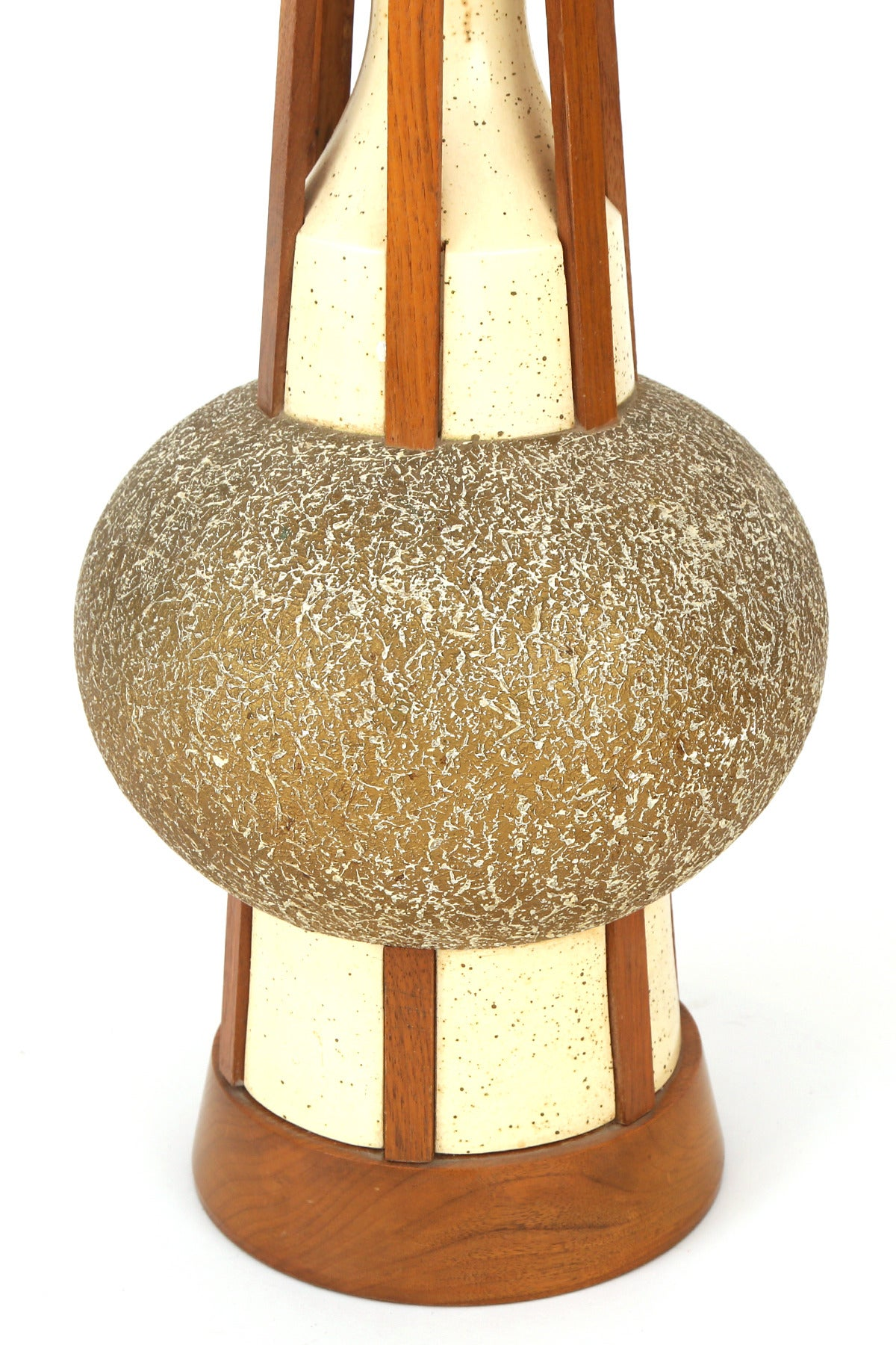 Mid-Century Modern Architectural Pair of Walnut and Ceramic Table Lamps For Sale