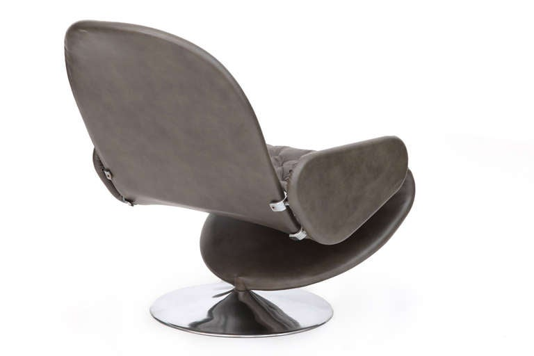 Late 20th Century Verner Panton Fritz Hansen Leather 123 Chair For Sale