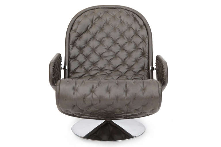 Verner Panton Fritz Hansen Leather 123 Chair In Excellent Condition For Sale In Phoenix, AZ