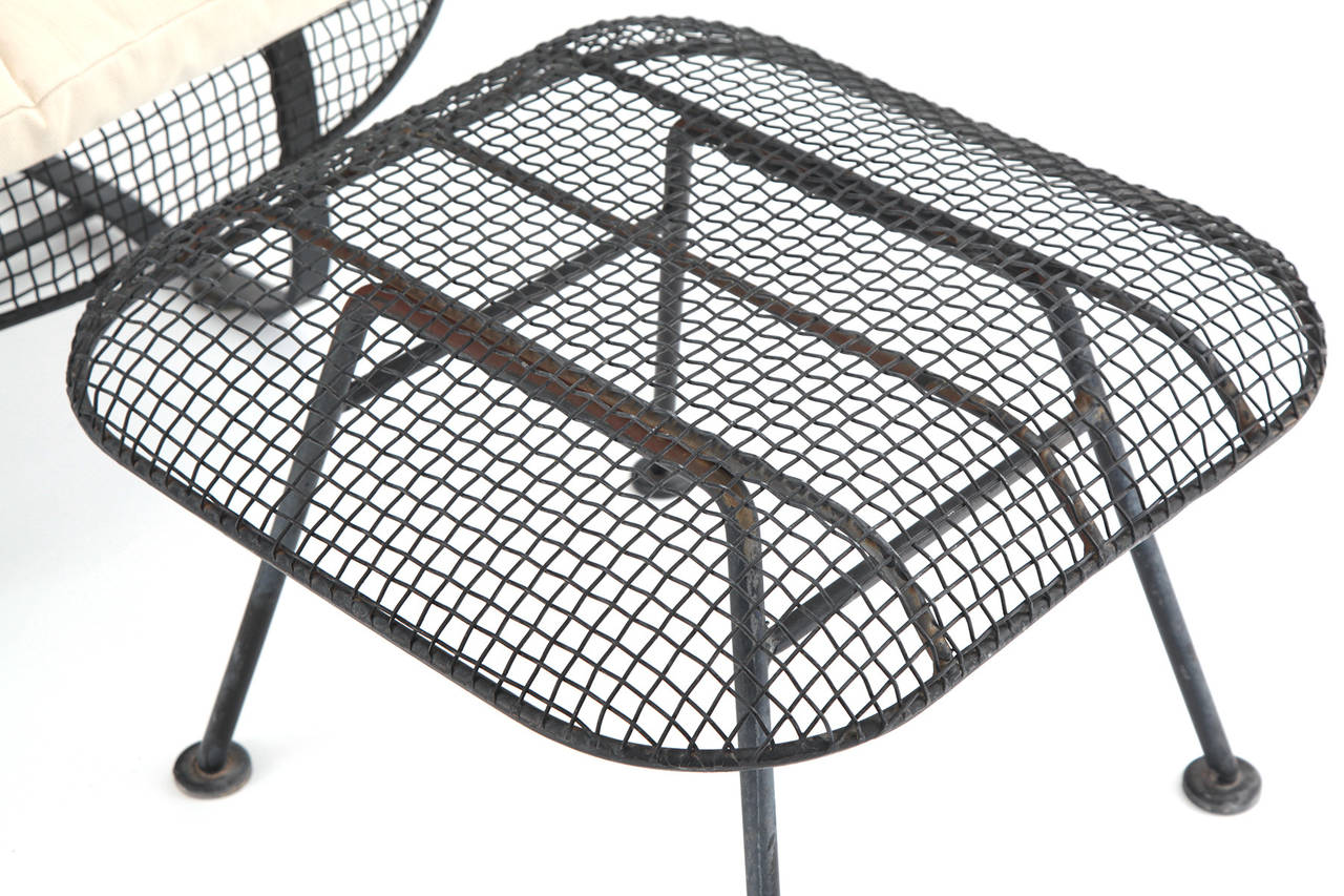Four Scale Woodard Mesh Lounge Chairs and Ottomans at 1stdibs