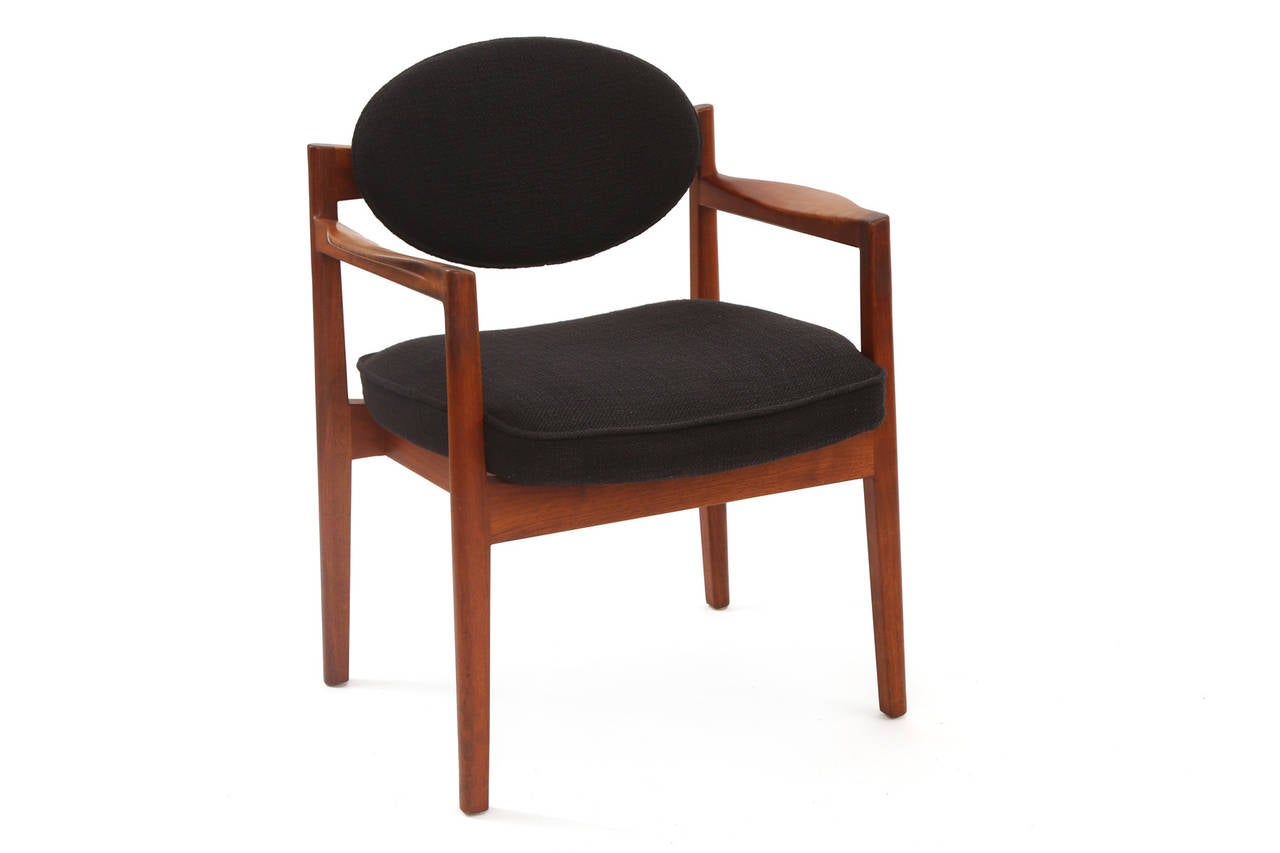 Six Sculpted Walnut Armchairs by Jens Risom In Good Condition For Sale In Phoenix, AZ