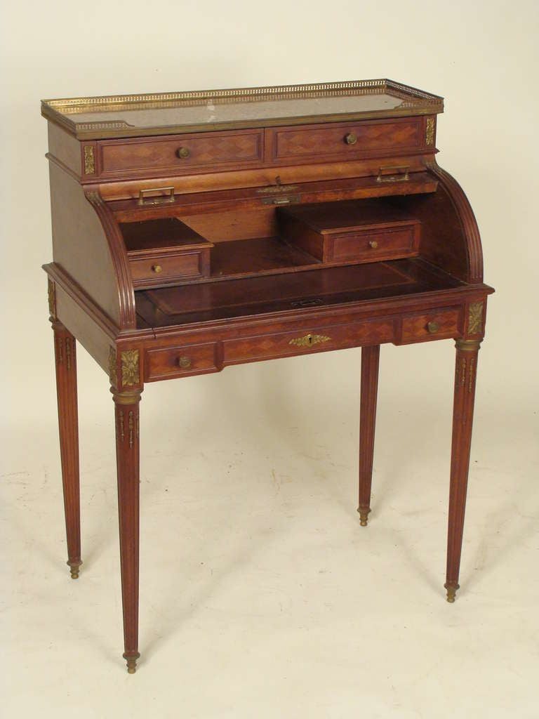 louis xvi bureau de dame at 1stdibs. Black Bedroom Furniture Sets. Home Design Ideas