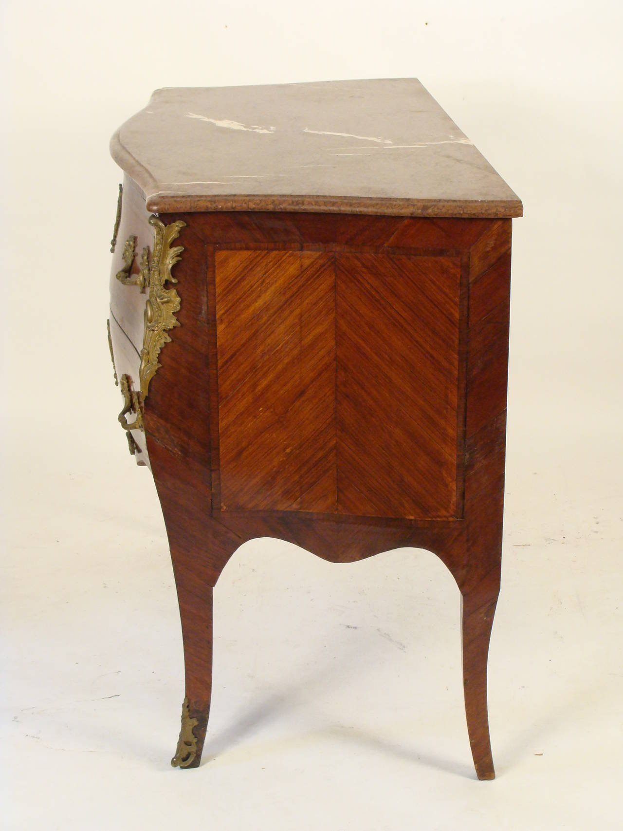 louis xv style bombe commode for sale at 1stdibs. Black Bedroom Furniture Sets. Home Design Ideas