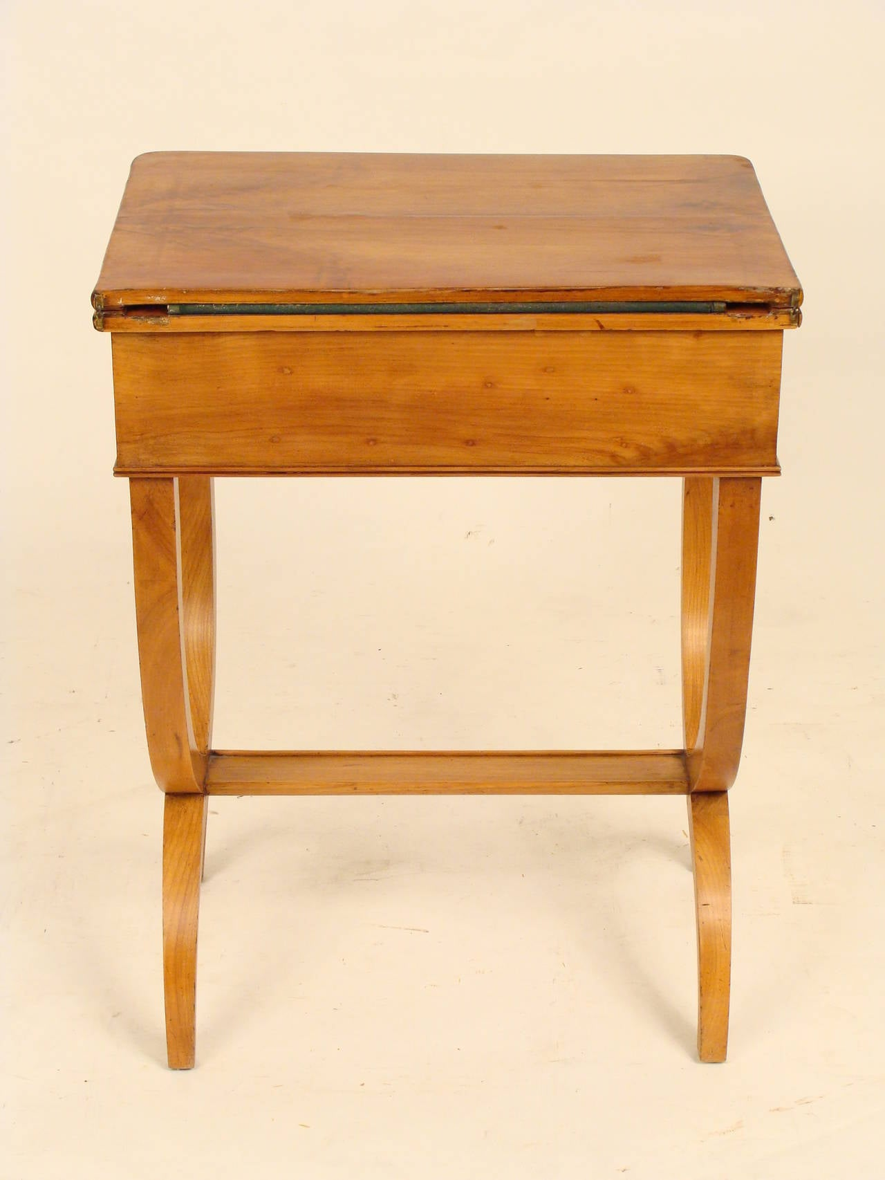 Louis philippe style games table at 1stdibs for Table 6 pieds louis philippe