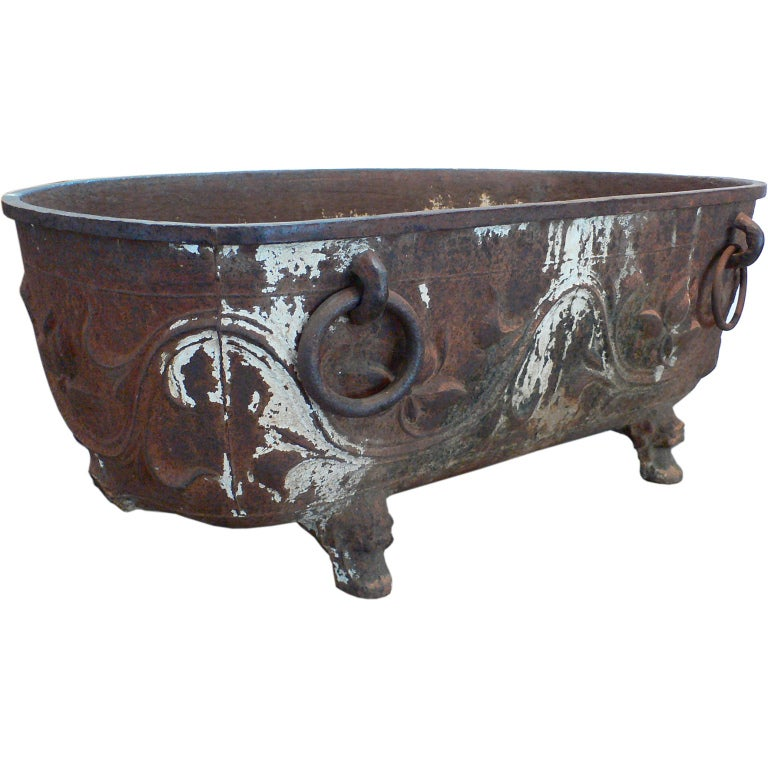 Large chinese cast iron tub at 1stdibs for Large metal tub for gardening