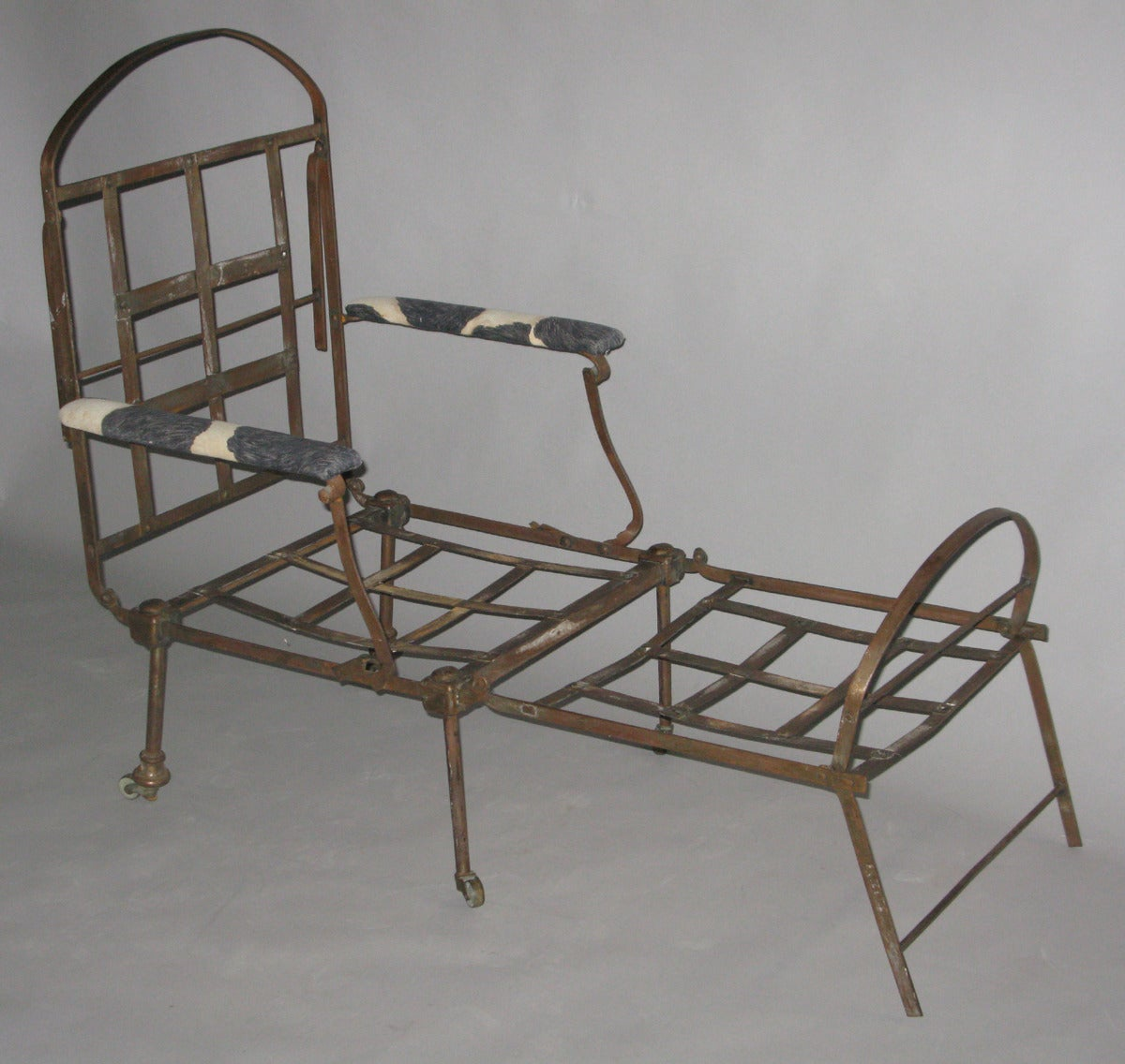 Directoire folding metal chaise longue at 1stdibs for Chaise directoire