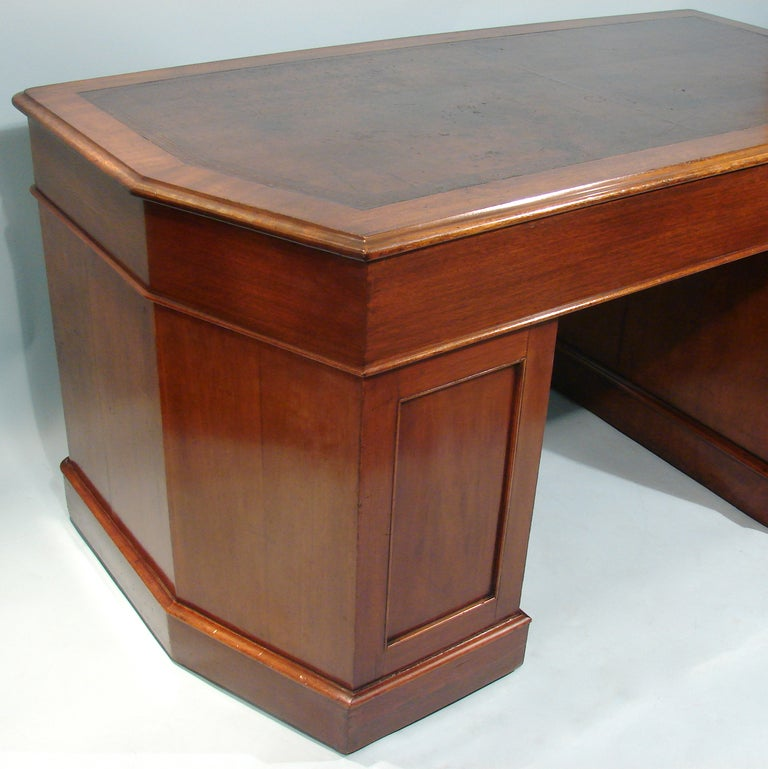 Unusual shaped georgian style mahogany kneehole desk at for Unusual writing desks