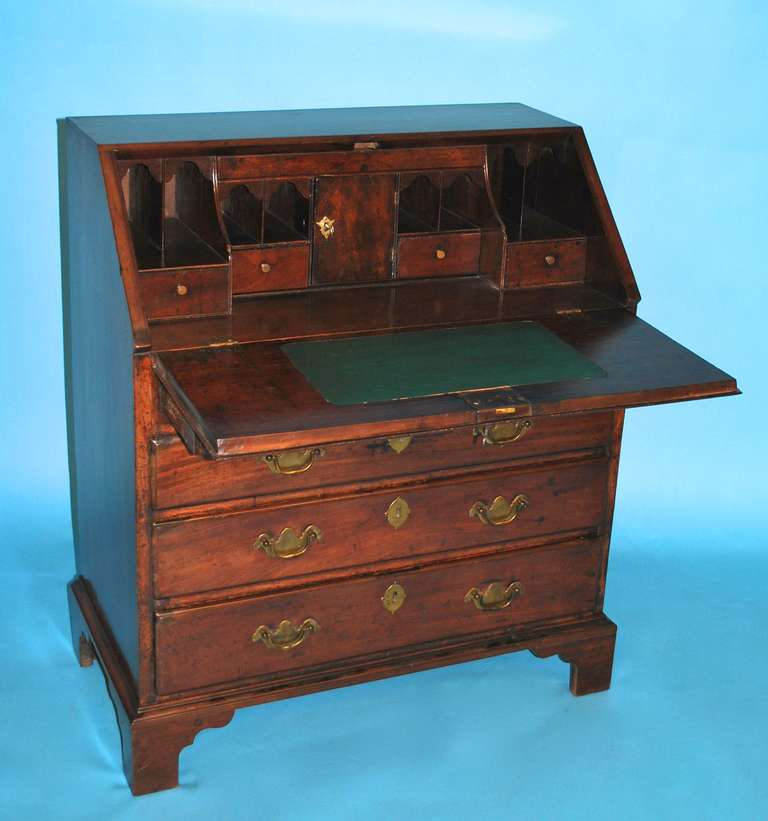 diminutive george iii mahogany bureau at 1stdibs. Black Bedroom Furniture Sets. Home Design Ideas
