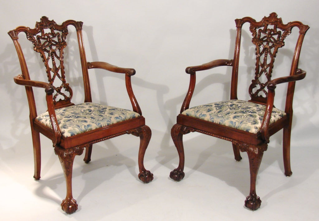 8 mahogany chippendale style ribbon back dining