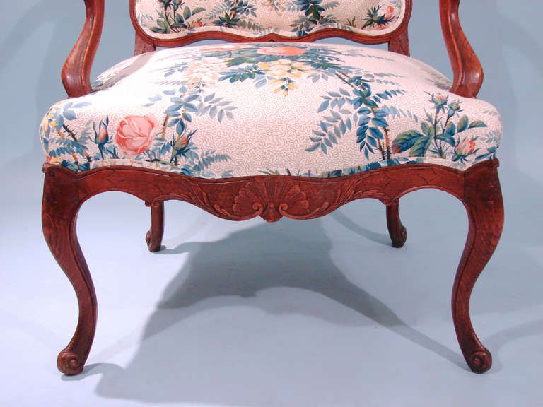 Louis XV Style Oak Armchair In Good Condition For Sale In San Francisco, CA