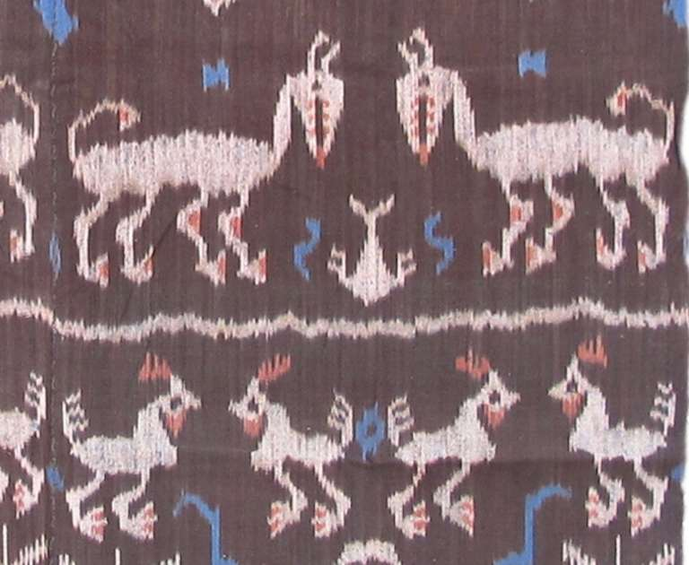 20th Century Vintage Geometric Ikat Textile Rug In Excellent Condition For Sale In Oakland, CA