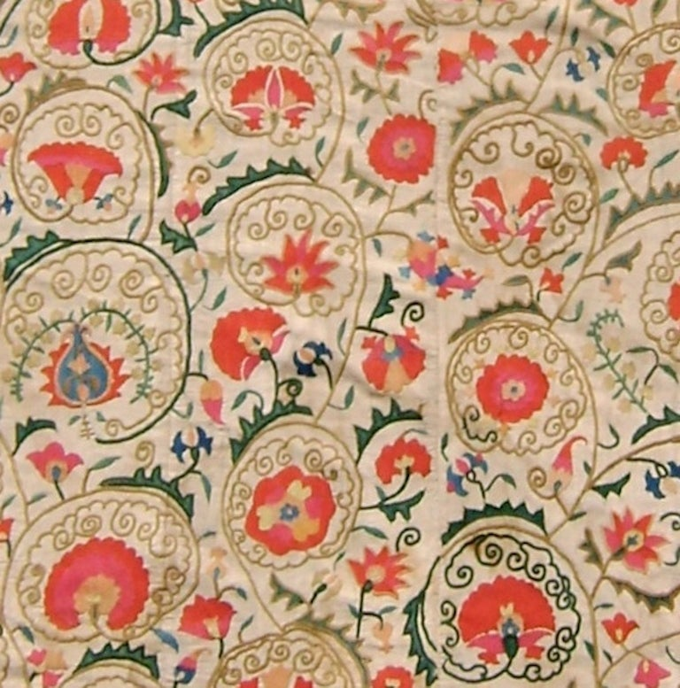 19th Century Light Floral Suzani Embroidered Textile Rug For Sale