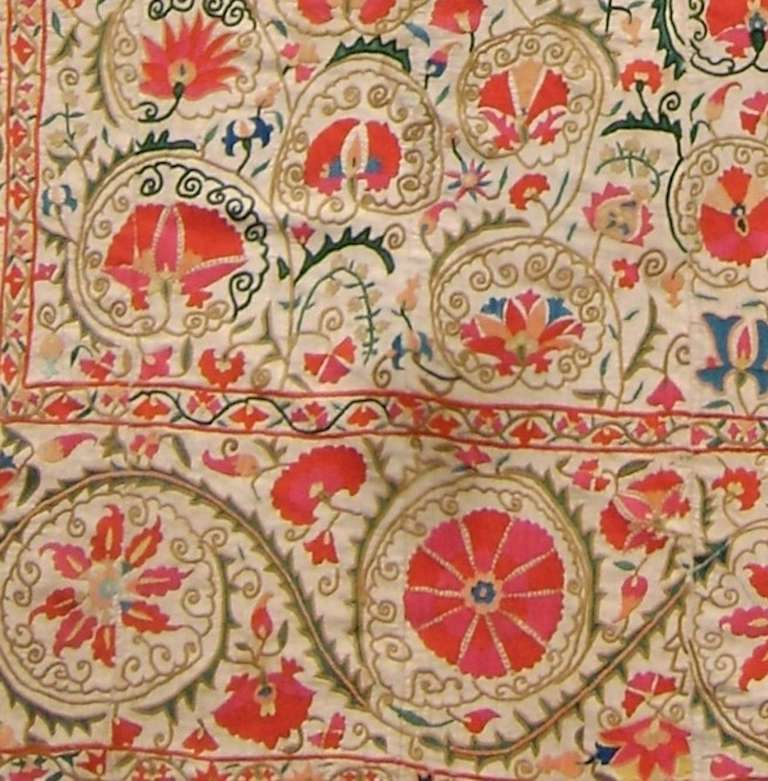 Uzbek 19th Century Light Floral Suzani Embroidered Textile Rug For Sale
