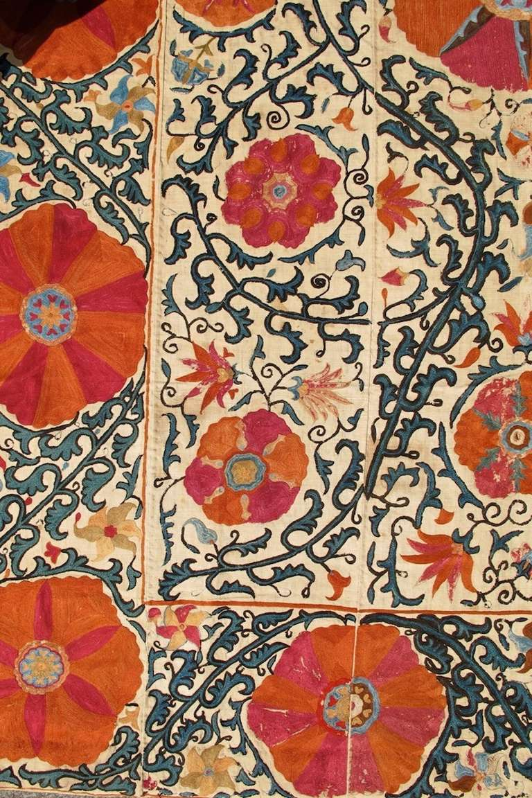 Suzani Embroidered Textile In Excellent Condition For Sale In San Francisco, CA