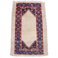 Late 19th Century Persian Bakhshaish Rug, Wonderful Minimalist Design Aesthetic