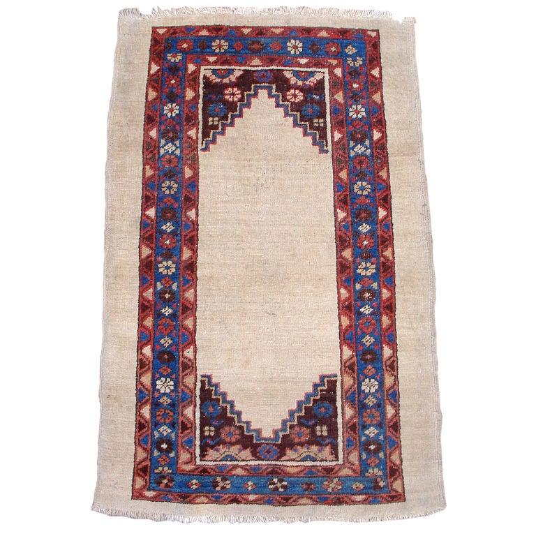 Minimalist Colorful Rug Designs: Late 19th Century Persian Bakhshaish Rug, Wonderful