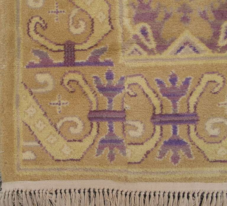 Early 20th Century Gold Colored Spanish Carpet with Voilet Patterns For Sale 1
