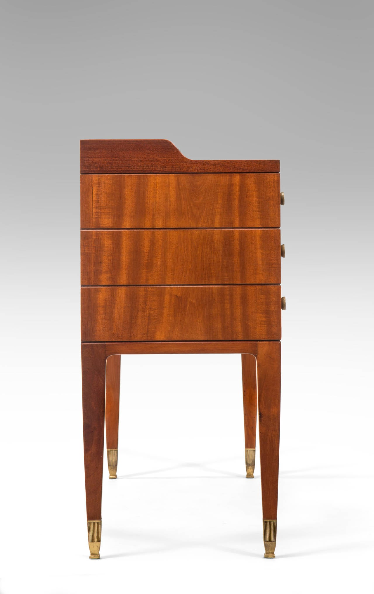 Paolo Buffa, a Pair of Brass Mounted Mahogany Side Tables or Cabinets In Good Condition For Sale In New York, NY