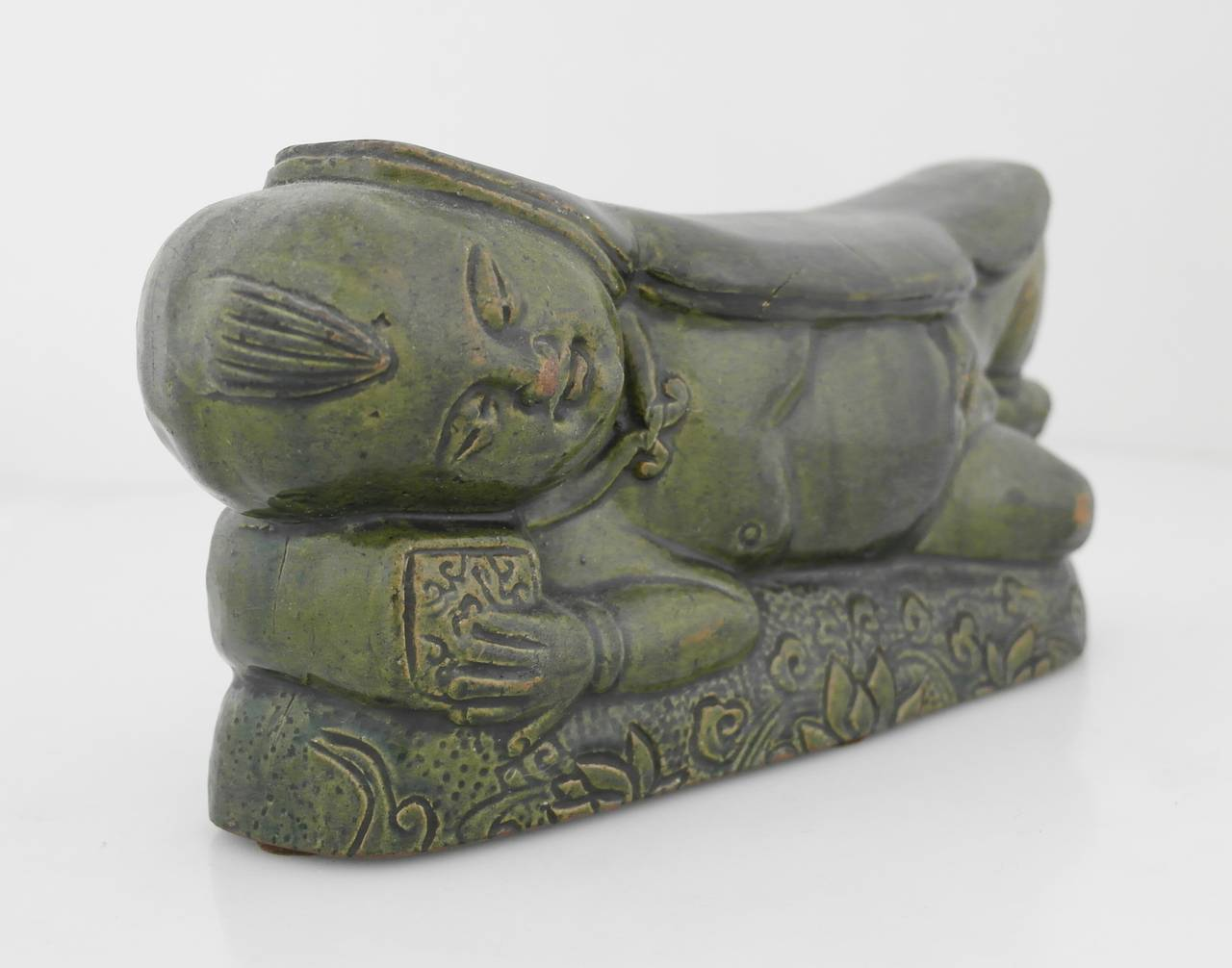 16th Century Chinese Green Terracotta Lotus Motif Pillow In Excellent Condition For Sale In New York, NY