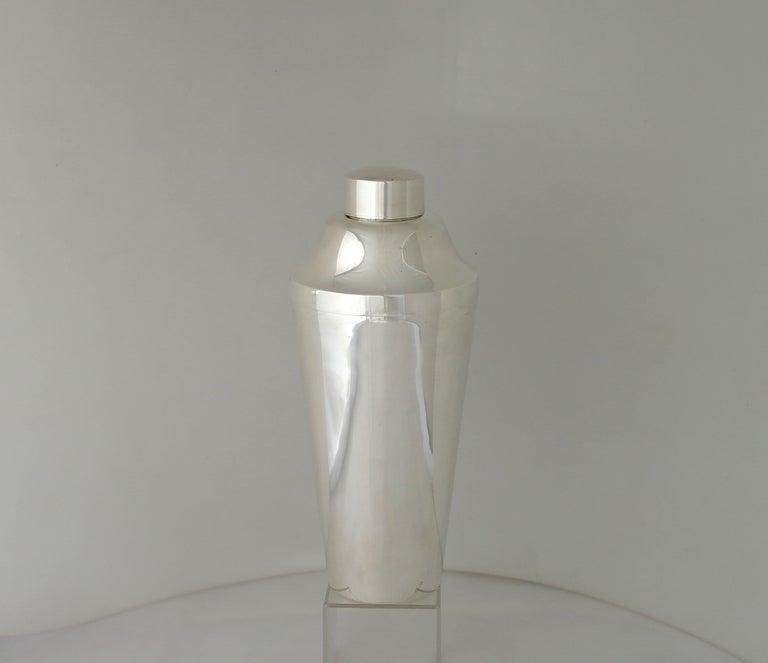 r blackinton sterling silver art deco modern cocktail shaker at 1stdibs. Black Bedroom Furniture Sets. Home Design Ideas