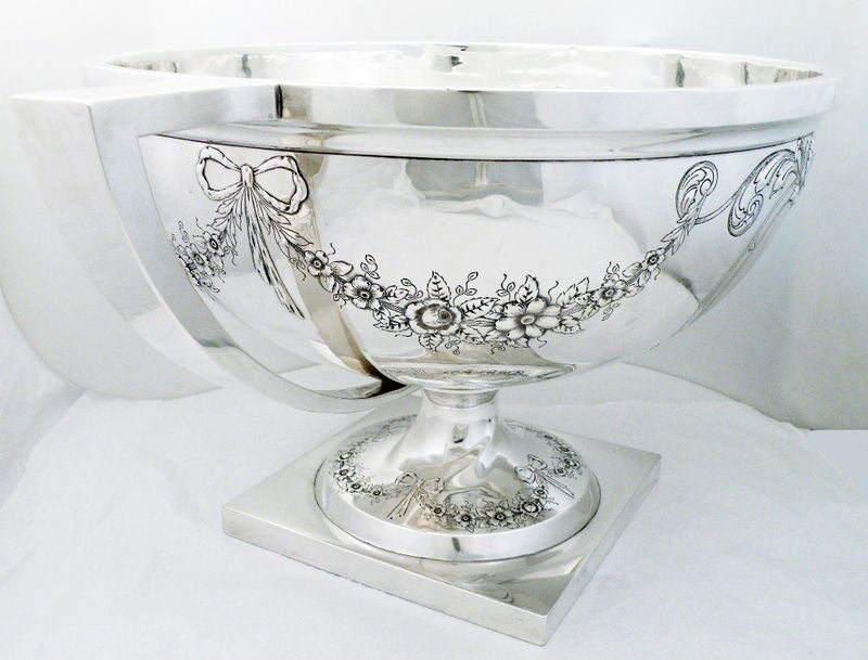 Massive 135ozs Meriden Sterling Silver Two Handled Punch Bowl image 2