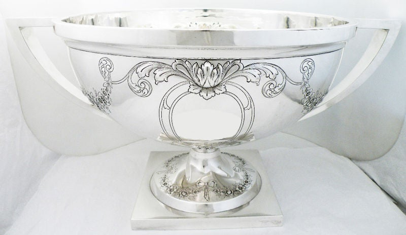 Massive 135ozs Meriden Sterling Silver Two Handled Punch Bowl image 4