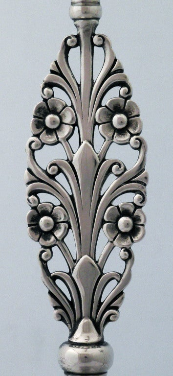 Pair of Tiffany Sterling Silver, Floral Stemmed Candlesticks In Excellent Condition For Sale In New York, NY