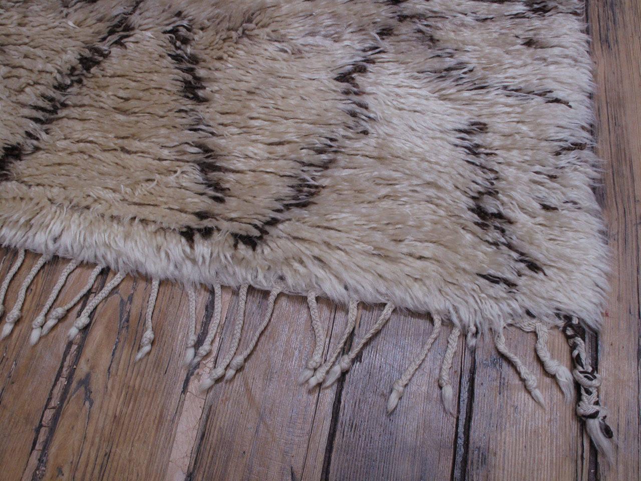 Wool Large Beni Ouarain Moroccan Berber Carpet