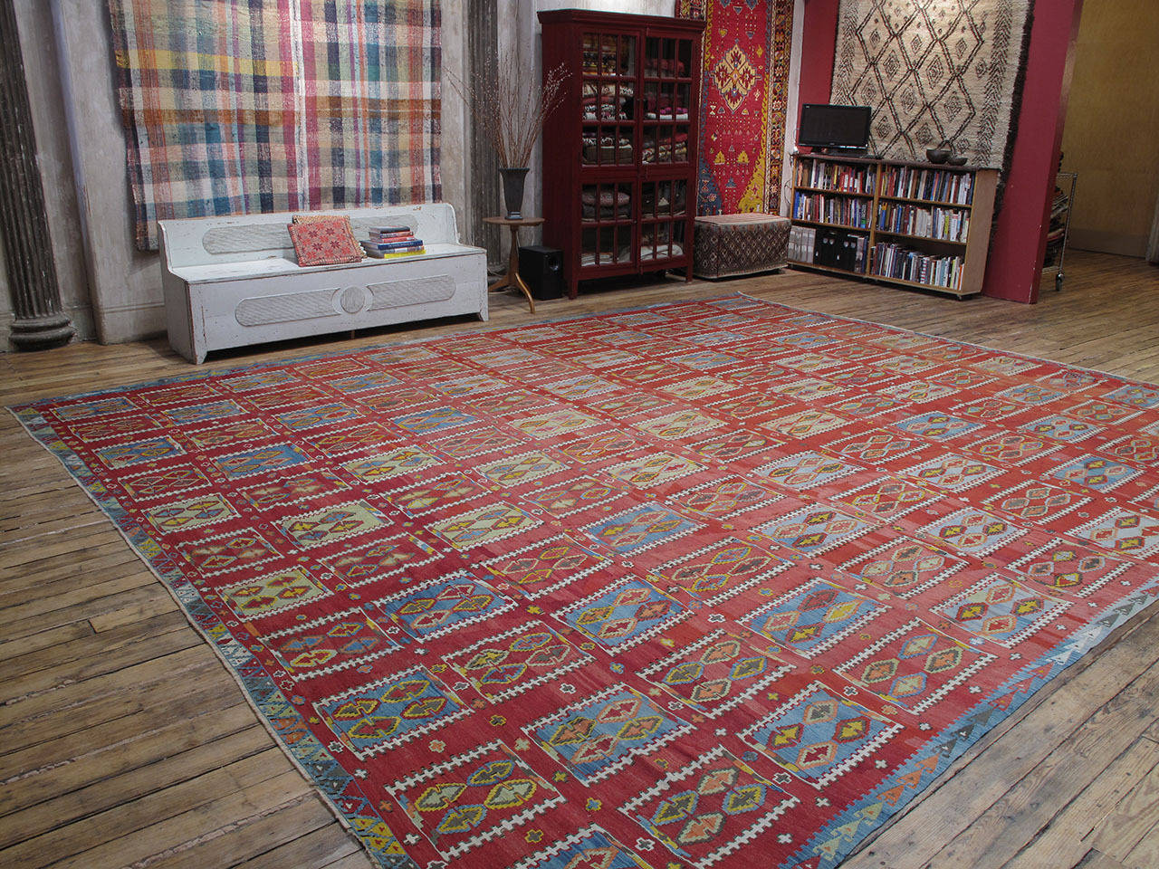 Very Large and Exceptional Antique Sivas Kilim 2